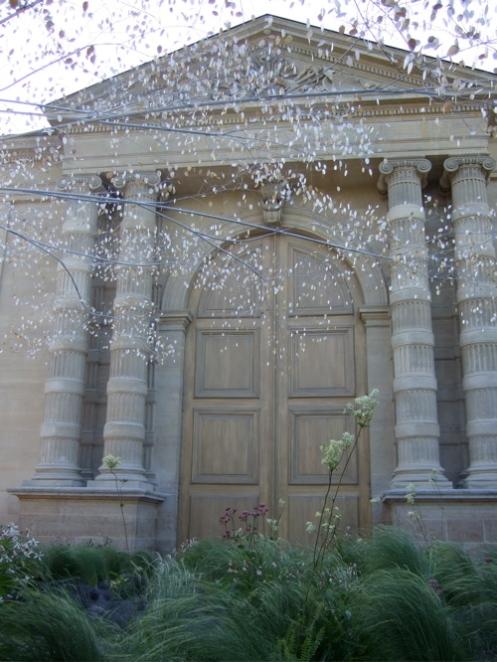 Laur Per Paris garden
